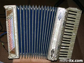 "Lennie Moore's ""Accordion ITX"""